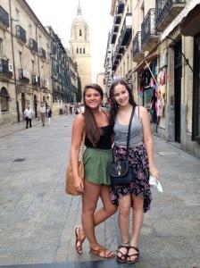 LPI Students Molly Tittle & Netta Keesom enjoying Salamanca!